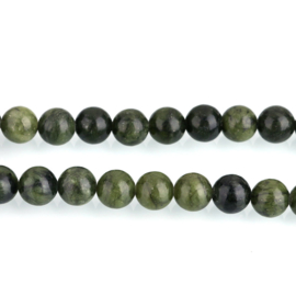 Jade Taiwan green 8mm