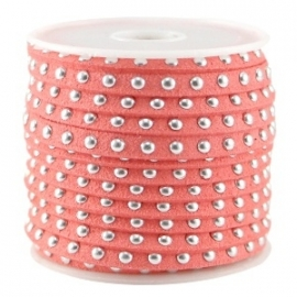 Imi suède 5mm bright coral orange met studs zilver 50cm 26557