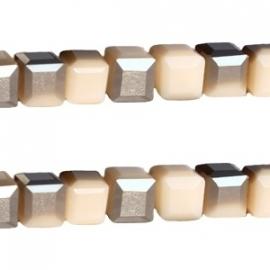 Top facet 4x4mm cube nude licht beige half zilver 13745