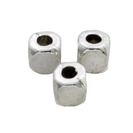 Metalen kralen rechthoek 4x4mm K325