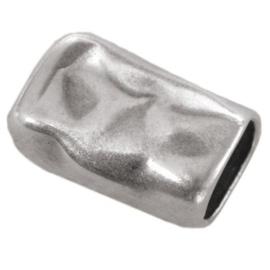 DQ leerschuiver gedeukt 21x13mm antiekzilver metaal