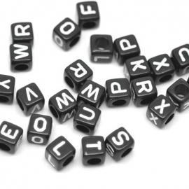 Kubus letterkraal 6mm zwart acryl