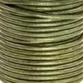 DQ Leer rond 2mm fern green metallic per 20cm