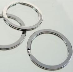 Sleutelhanger 28mm ring plat metaal D07919