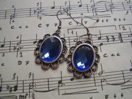 OB07 - Victoriaanse oorbellen met azuurblauwe facetsteen