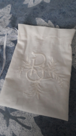 Geurzakje / Lavendelzakje met monogram