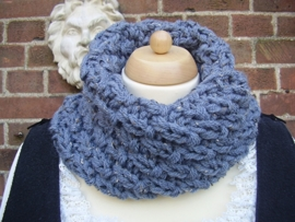 CO02 - Cowl in Outlander stijl - lichtblauwe tweed