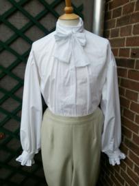 HS05 - Herenshirt met puntkraag en roezelmouwen