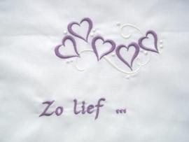 """Wieglakentje """"Zo Lief"""" in lila"""