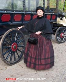 DC01 - Victoriaanse / Dickens wollen damescape met bontkraag