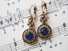 OB06 - Barok oorbellen in goud met blauw
