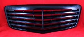 Mercedes W211 E Klasse AMG Look Grill Sportgrill Glanszwart Bj 2002-2006