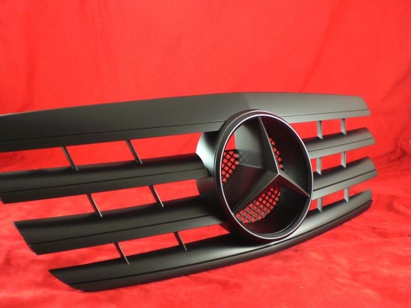 Mercedes W210 E Klasse AMG Look  Grill Matzwart Met Matzwarte Ster