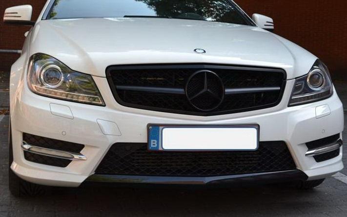 Mercedes W204 C Klasse C63 AMG Look Grill Matzwart Met Matzwarte Ster Bj 2007-2014