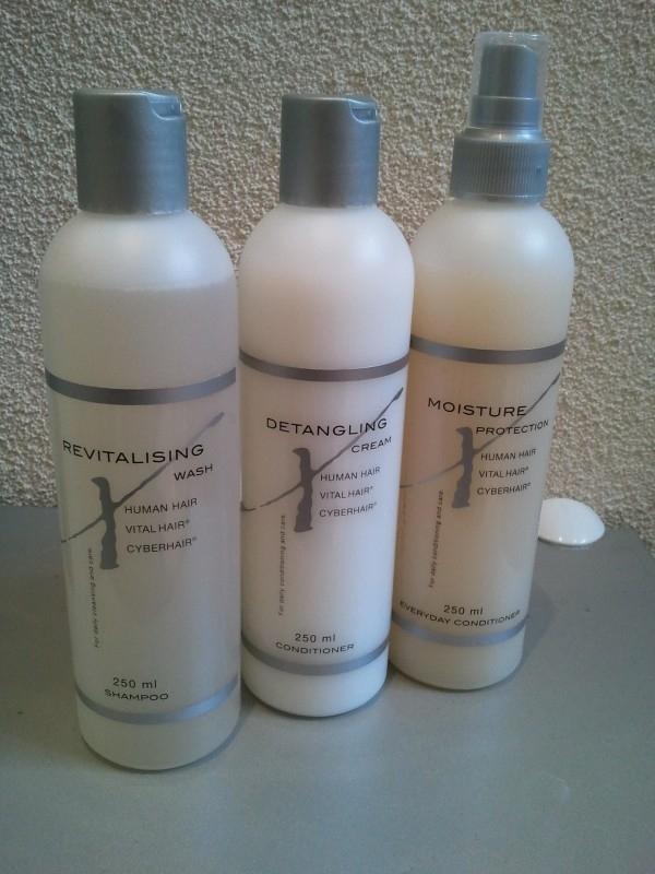 Cyberhair shampoo, Cyberhair creme, Cyberhair conditioner, Cyberhair balsem, revitalising wash,  moisture protection, detangling cream, cyber haar, vital haa , echt haar .