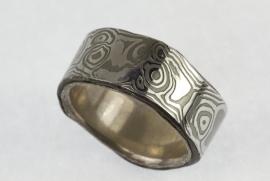 Martin Steinhorst stalen damast ring glad