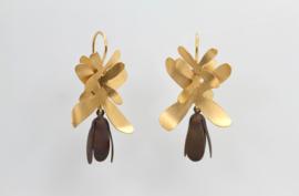 Echo Deco bloem oorbellen ( bruin )