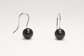 Kogel oorbellen (zwart)