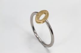 Platina ring met gouden ovaal