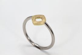 Platina ring met gouden vierkant