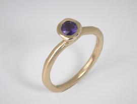 Dripping art geelgouden ring met paarse Amatyst