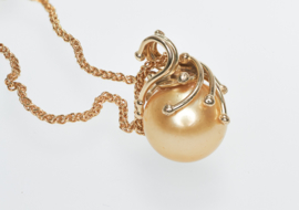 Medusa Anhänger mit gold färbe Perle