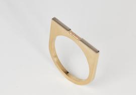 Gouden ring met baquette diamant