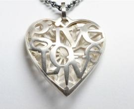 Marije Geurtsen zilveren hanger 'Give Love'