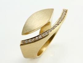 Angela Hubel ring met diamanten Golden Eye