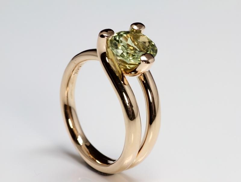 Roségouden ring met chrysoberyl
