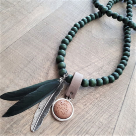 Green Wooden Indian Ketting   [2967]