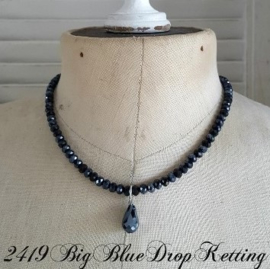 Donkerblauwe Facet Ketting met Glasdruppel  [2419]