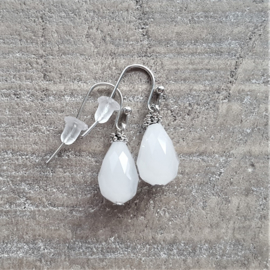 Crystal Milky White Ear Drops 12 mm  [8196]