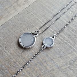Delicate Armband Shiny Grey  [1965]