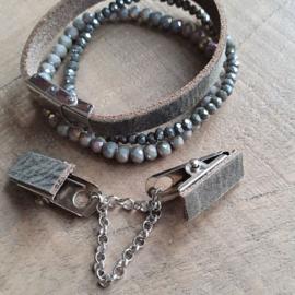 Armygroen, vestclip en armbandenset