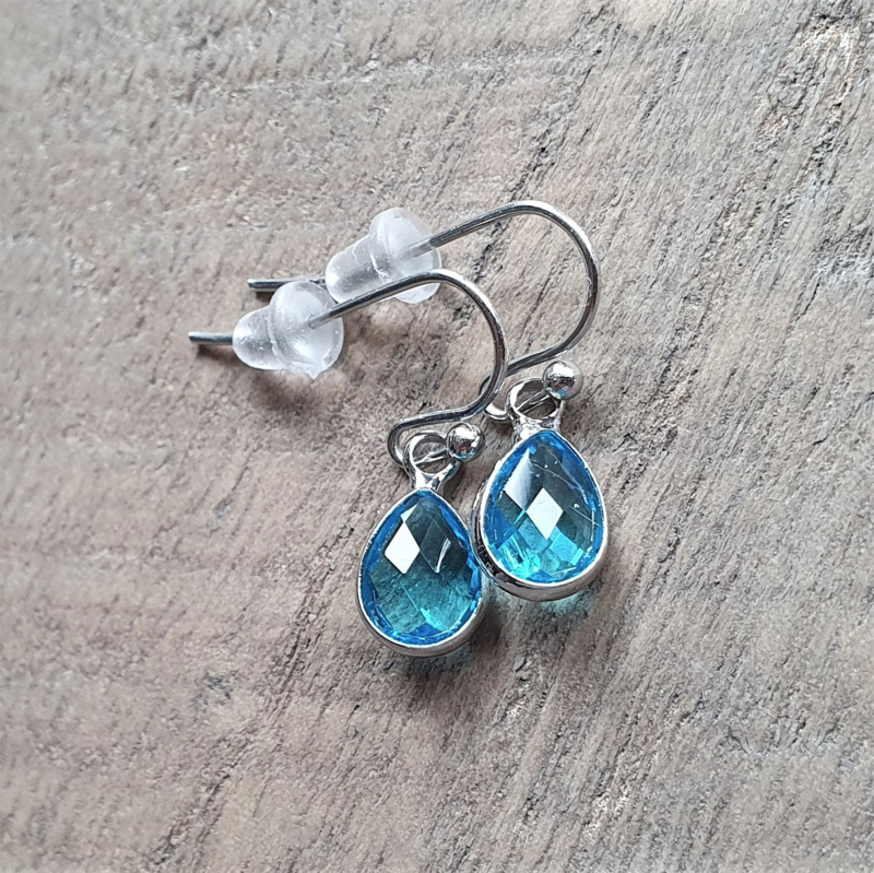 Little Turquoise Facetted Crystal Drops  [8432]