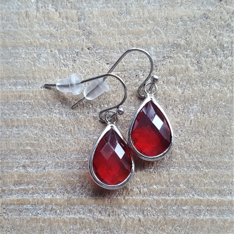 Red Facetted Crystal Drops  [8372]
