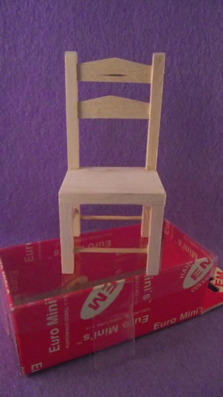 blank houten stoel (PP)