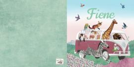 Geboortekaartje Fiene | dieren in busje roze
