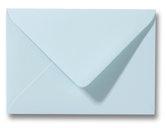 zachtblauwe enveloppen