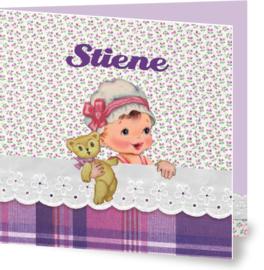 Geboortekaartje Stiene | meisje in bed paars