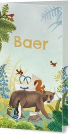 Geboortekaartje Baer | Beer met wiegje en dieren in landschap