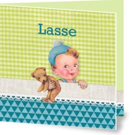 Geboortekaartje Lasse | jongetje in bed groen blauw