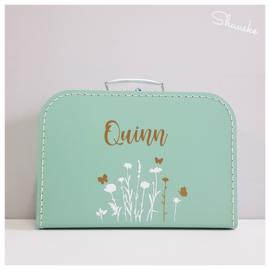 Kinderkoffertje met naam, datum en bloemetjes | Wildflower | Kraamcadeau met naam