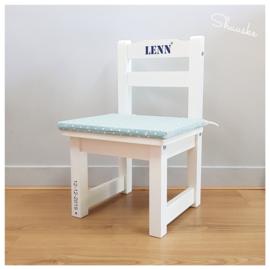 Kinderstoeltje wit met naam