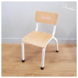 Stoeltje voor Amani - industrieel stoeltje met naam