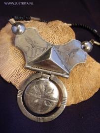 T 44 Toeareg amulet / Rare Tuareg amulet.