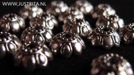 K1 kralenkapje bloem antiek zilver 10mm (15 stuks)