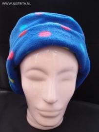 FH002 Fleece hoedje kobalt met vrolijke noppen