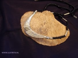 "T 39 ketting ""half moon"" / Necklace ""half moon"""